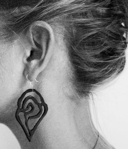coral_reef_earrings_model