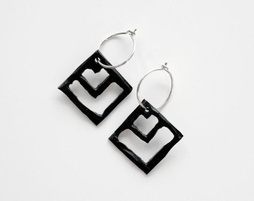 Pil_earrings