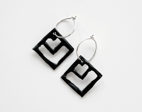 Pil_earrings